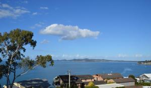 Spectacular Views & Walking distance to the beach!, Apartments  Soldiers Point - big - 5