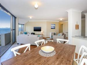 Spectacular Views & Walking distance to the beach!, Apartments  Soldiers Point - big - 7