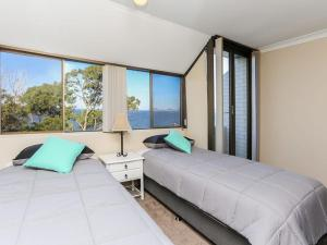 Spectacular Views & Walking distance to the beach!, Apartments  Soldiers Point - big - 10