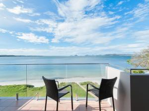 Stunning views in gorgeous Harbourside!, Apartments  Soldiers Point - big - 3