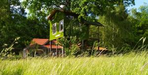 Tree House Ramona