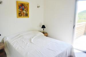 Zilia, Apartmanok  Favone - big - 11