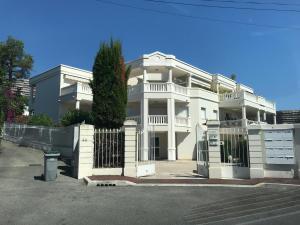 Luxury residence Fabron - Hotel - Nice