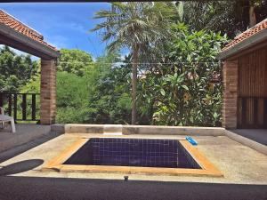 Tropical Hillside Villa