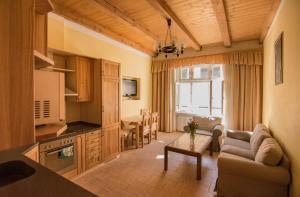 Apartmany Victoria, Apartmánové hotely  Karlove Vary - big - 39