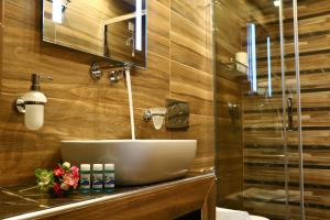 Semiramis Guesthouse, Hotely  Adamas - big - 77