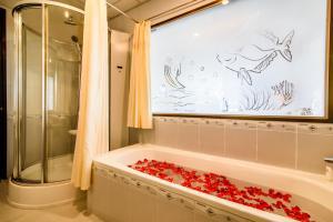 Huong Giang Hotel Resort & Spa, Resort  Hue - big - 197