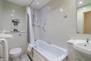 Cosmopolitan Hotel, Hotely  Leeds - big - 3
