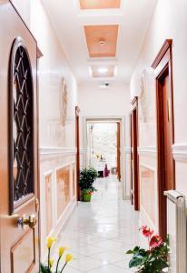 Hotel Suite Caesar - AbcAlberghi.com