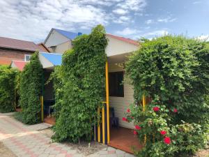 Гостевой дом Коттеджи Азов, Голубицкая