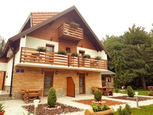 Guesthouse Green Valley, Penziony  Jezerce - big - 1