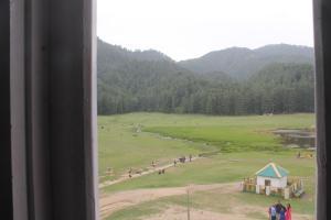 Auberges de jeunesse - Lake View Rooms In Khajjiar