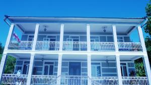 Семейный отель House in Green 1, Махинджаури