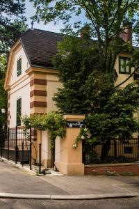 The Coachman's Residence