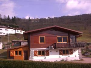 Location gîte, chambres d'hotes Chalets les Marcels dans le département Vosges 88