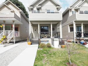 122 Old Summerland Home - Osoyoos