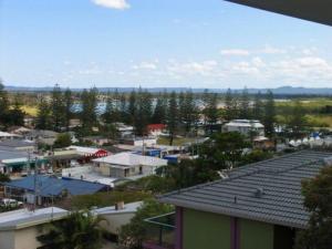 Beaches 1, Dovolenkové domy  Yamba - big - 11