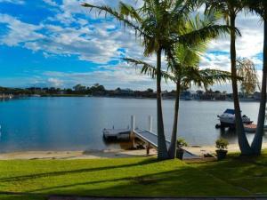 Sea Cubby - 41 Melaleuca Drive, Holiday homes  Yamba - big - 15