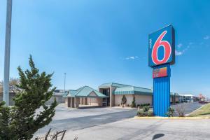 Motel 6-Oklahoma City, OK - Bricktown