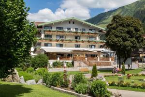 Haller's Posthotel - Hotel - Kleinwalsertal