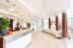Ikar Plaza, Курортные отели  Колобжег - big - 37