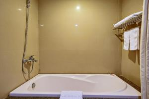 Hoang Son Peace Hotel, Hotel  Ninh Binh - big - 154
