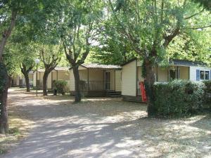 Location gîte, chambres d'hotes Camping Parc du Château d'Allot dans le département Lot et Garonne 47
