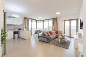 Luxury Two-Bedroom Apartment With Terrace Over Old City View