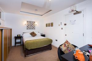The Pods at Nell Gwynn - London