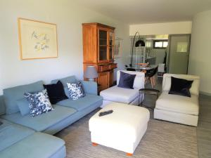 By the Beach, Apartmány  Almancil - big - 17