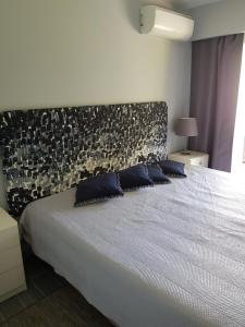 By the Beach, Apartmány  Almancil - big - 9