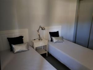 By the Beach, Apartmány  Almancil - big - 4