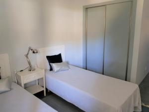 By the Beach, Apartmány  Almancil - big - 2