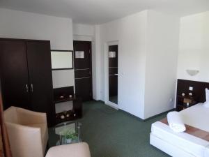 Family Hotel Asai, Hotel  Ravda - big - 12
