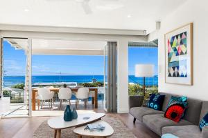 Paperbark A - Luxury Duplex in Sunshine Beach