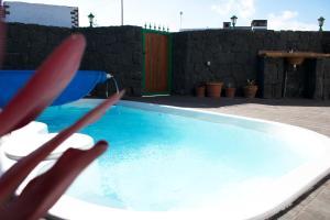 Casa La Orilla, Tias