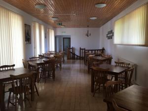 Pensiunea Casa Diaspora, Bed & Breakfast  Târgu Jiu - big - 137
