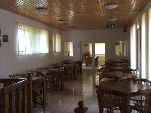 Pensiunea Casa Diaspora, Bed & Breakfast  Târgu Jiu - big - 135