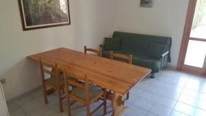 Villa trilo con doppio giardino 26, Дома для отпуска  Торре-дель'Орсо - big - 6