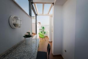 Holidays2Malaga Studios Juan de Mena, Apartmány  Málaga - big - 11