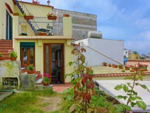 Locazione Turistica Ai Maronti - AbcAlberghi.com