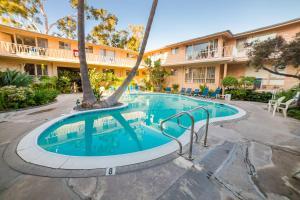 Cal Mar Hotel Suites - Los Angeles