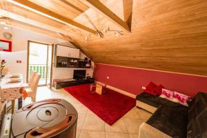 Apartma Zoran - Apartment - Lokve