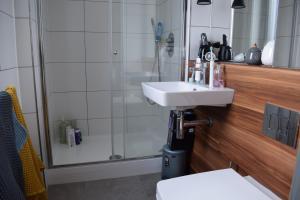 Modern 1 Bedroom Apartment In Islington With Balcony - Islington