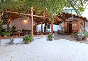 Ostelli e Alberghi - Eden BAANI Lodge Maldives