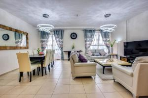 Apricus Holiday Homes - Spacious 2 bdrm on 29th floor, JBR