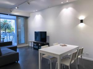 Pride Fawkner St Kilda Rd with GYM & POOL (LI), Apartmanok  Melbourne - big - 3