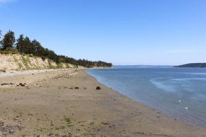 Water's Edge on Penn Cove - Coupeville