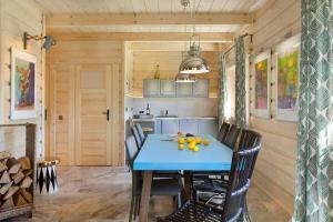 SeaUSasino - Dom One Art - Luksusowe Drewniane Domy z Kominkami