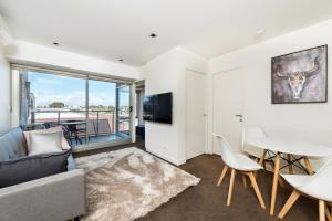 Melbourne Beachside Apartment - East St Kilda